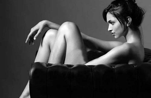 ポルチオ性感帯を開発する女性